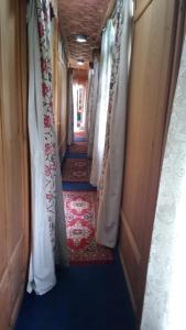 Houseboat Palace Heights, Hotely  Srinagar - big - 2