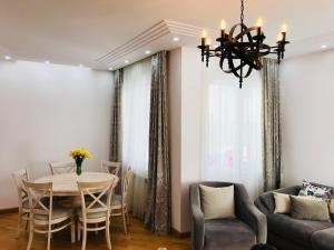 White Apartment, Appartamenti  Batumi - big - 1