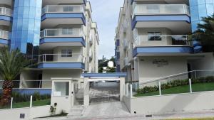 Lindo Apartamento de 3 Suites próximo ao Mar, Apartmanok  Bombinhas - big - 14
