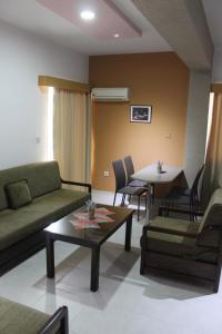 Petsas Apartments, Aparthotels  Coral Bay - big - 24