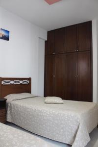 Petsas Apartments, Aparthotels  Coral Bay - big - 27