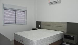Apartamento Cerca del Mar 2 Suites, Apartmanok  Bombinhas - big - 3