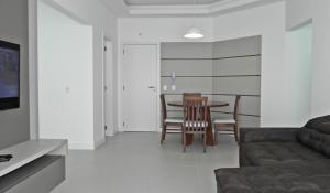 Apartamento Cerca del Mar 2 Suites, Apartmanok  Bombinhas - big - 17