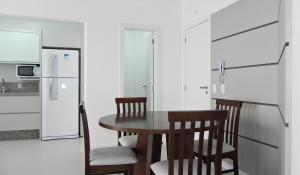 Apartamento Cerca del Mar 2 Suites, Apartmanok  Bombinhas - big - 21