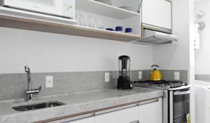 Residencial Aguas Azuis 2 Suites, Апартаменты  Бомбиньяс - big - 5