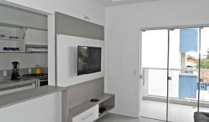 Residencial Aguas Azuis 2 Suites, Апартаменты  Бомбиньяс - big - 6