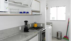 Residencial Aguas Azuis 2 Suites, Апартаменты  Бомбиньяс - big - 7