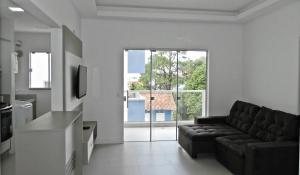 Residencial Aguas Azuis 2 Suites, Апартаменты  Бомбиньяс - big - 14