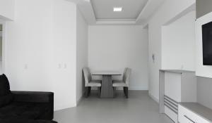 Residencial Aguas Azuis 2 Suites, Апартаменты  Бомбиньяс - big - 15