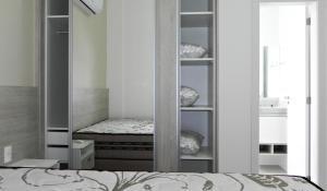 Residencial Aguas Azuis 2 Suites, Апартаменты  Бомбиньяс - big - 25