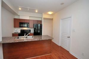 Whitehall Suites - Mississauga Furnished Apartments, Apartments  Mississauga - big - 3
