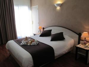 Hôtel Ariane, Hotely  Istres - big - 6