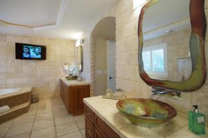 Villa Paradiso, Holiday homes  Cape Coral - big - 22