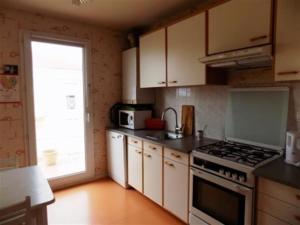 Apartment Bel appartement a deux pas du centre et proche de la mer 1, Апартаменты  Сен-Бревен-ле-Пен - big - 6