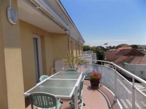 Apartment Bel appartement a deux pas du centre et proche de la mer 1, Апартаменты  Сен-Бревен-ле-Пен - big - 9