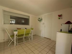 House Situation face mer - ideale pour un sejour a st brevin, Holiday homes  Saint-Brevin-les-Pins - big - 8
