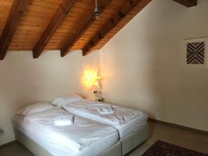 AmdenLodge Apartments - Gardens Studio & Terracehouse