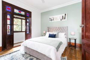 3 Room Apartment, walk to Sydney CBD