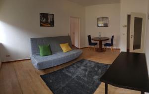 Schone Helle 2 Zimmer Wohnung Mitten Im Zentrum Koln Cologne