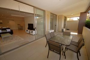 Shoal Bay Road, Aura Apartments, Unit 07, 59, Apartmanok  Shoal Bay - big - 2