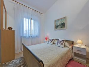 One-Bedroom Apartment in Pula, Apartmány  Pula - big - 17