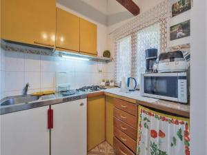 One-Bedroom Apartment in Pula, Apartmány  Pula - big - 26