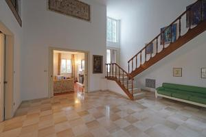 Villa Gecko, lovely family villa with private pool 100m from lake and shops, Vily  Gardone Riviera - big - 2