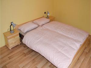 Two-Bedroom Apartment in Sedlec-Prcice, Apartmanok  Sušetice - big - 9