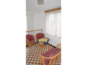 Two-Bedroom Apartment in Sedlec-Prcice, Apartmanok  Sušetice - big - 12