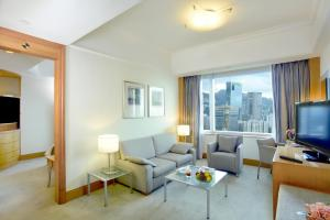 Executive Suite with Lounge Access