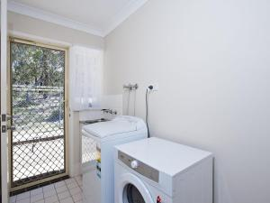 Government Road, 48, The Bay House, Apartmanok  Shoal Bay - big - 15