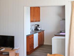 Two-Bedroom Holiday home in Averøy 2, Nyaralók  Karvåg - big - 9