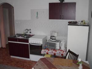 Kis Apartmanház, Apartmány  Hévíz - big - 25