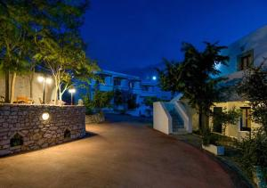 Contaratos Holiday Lettings 2