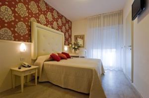 Hotel Foschi-Peninsula - AbcAlberghi.com