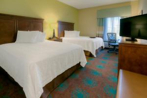 Suite with Two Queen Beds and Sofa Bed - Hearing Accessible