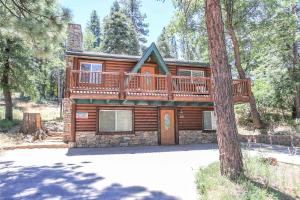 Moonridge by Big Bear Cool Cabins, Дома для отпуска  Биг-Беар-Лейк - big - 1
