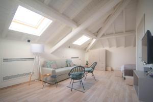 Comonfive Apartments - AbcAlberghi.com