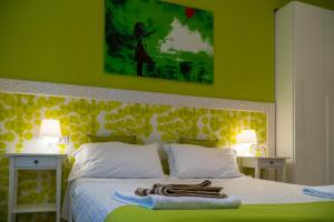 B&B DormiRe Bologna, Bed & Breakfasts  Bologna - big - 22