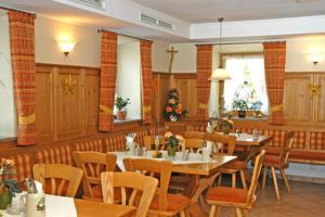 Gasthaus Gumping, Inns  Ainring - big - 11
