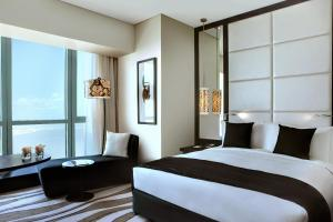 Luxury Club King Room with Executive Lounge Access