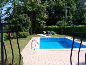 Britta Villa con vista lago, giardino e piscina - AbcAlberghi.com