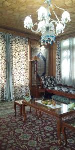 Houseboat Palace Heights, Hotels  Srinagar - big - 64