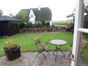 Ferienwohnung Liiger Wal, Holiday homes  Morsum - big - 5