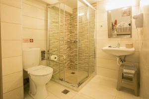 Hotel Life, Hotely  Herakleion - big - 54