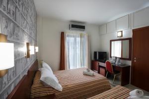 Hotel Life, Hotely  Herakleion - big - 55