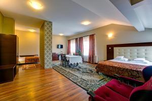 Hotel i Restauracja Bona, Hotely  Sanok - big - 18