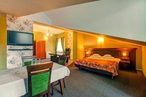 Hotel i Restauracja Bona, Hotely  Sanok - big - 24