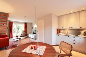 Ulenhof Appartements, Ferienwohnungen  Wenningstedt-Braderup - big - 18