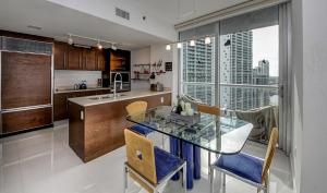 3B/2B Corner Apt Ocean View 00426, Appartamenti  Miami - big - 11